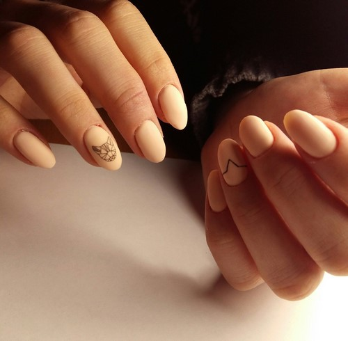 Manucure mate à la mode: tendances, actualités, idées de design