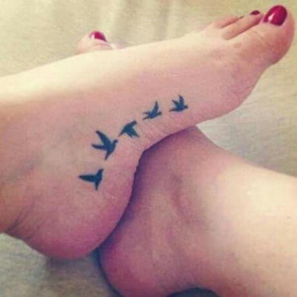 Beaux tatouages pour les filles: les meilleures idées de tatouage sur différentes parties du corps - photo