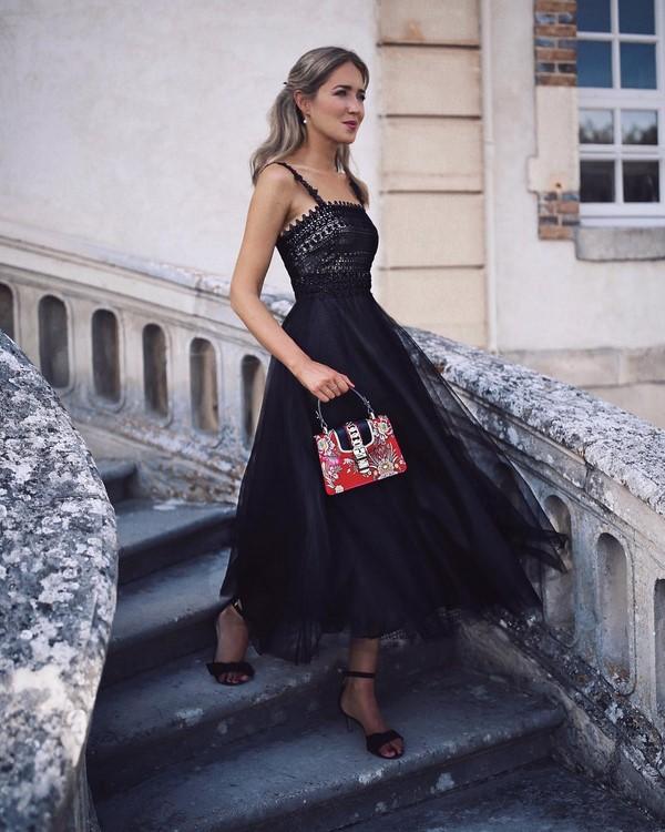 Images impeccables avec des robes pour la nouvelle année 2020 - Idées photo d'arcs du nouvel an