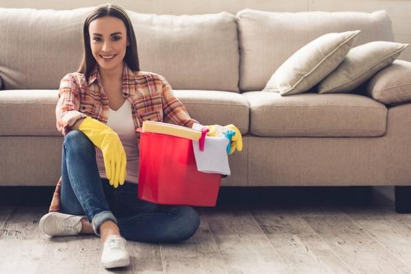 Comment nettoyer un canapé: des méthodes qui vous seront utiles